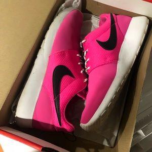 Nike rosherun youth pink sneakers